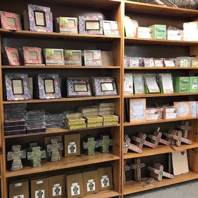Closeout Books & Gifts